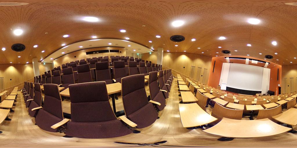 360-kuva auditorio Valjakasta Pääkampuksella