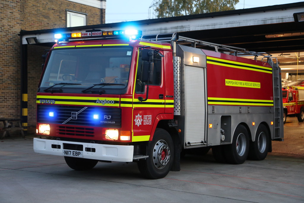 N117 EBP | FJH 32W2 | - | Hampshire Fire and Rescue | Foam… | Flickr