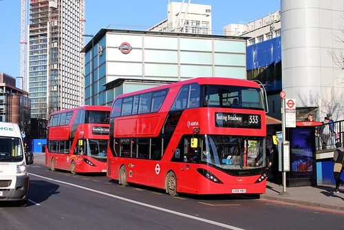 Enviro 400H City on the 133 and 333