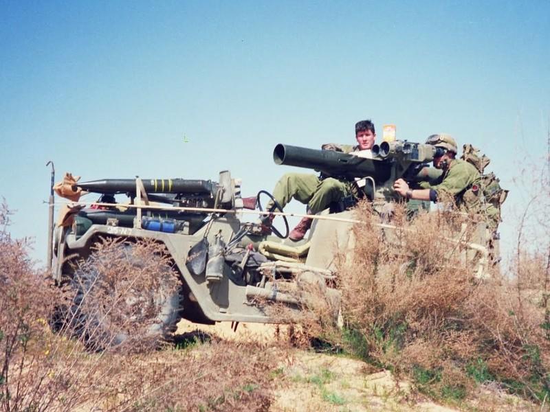M151-tow-idf-1992-f-1