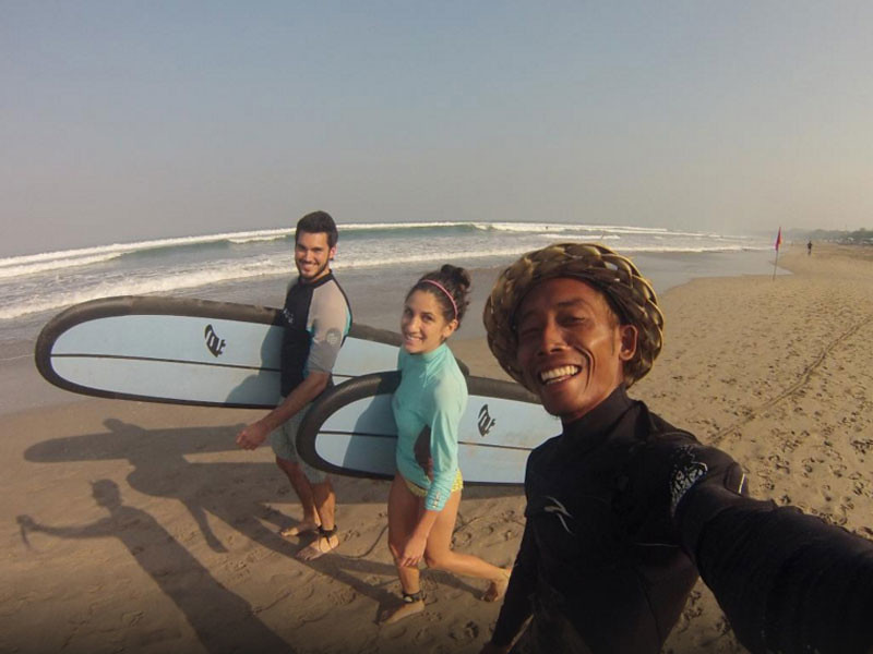 Surf Lesson at Desu de Bali Surf