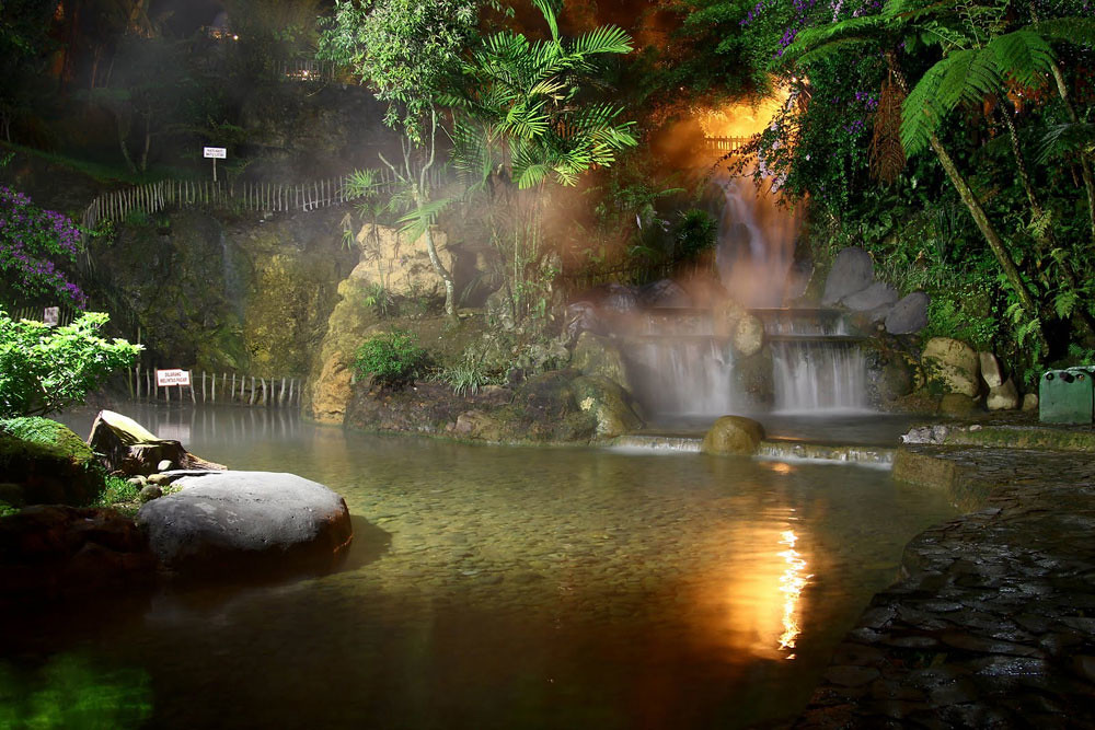 1-ciater_natural_hotspring_1_by_paddyandintan.jpg