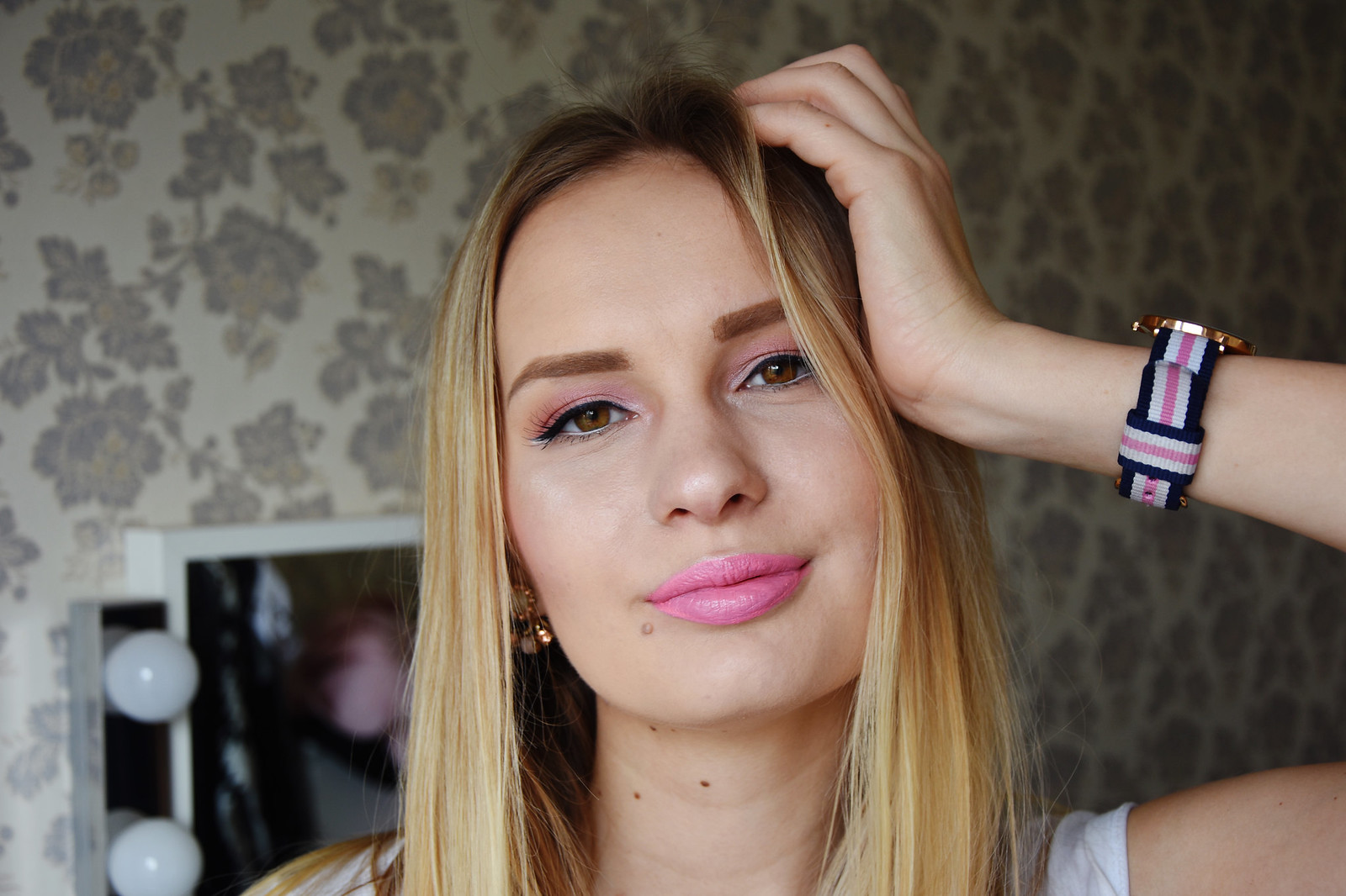 Fresh spring makeup look