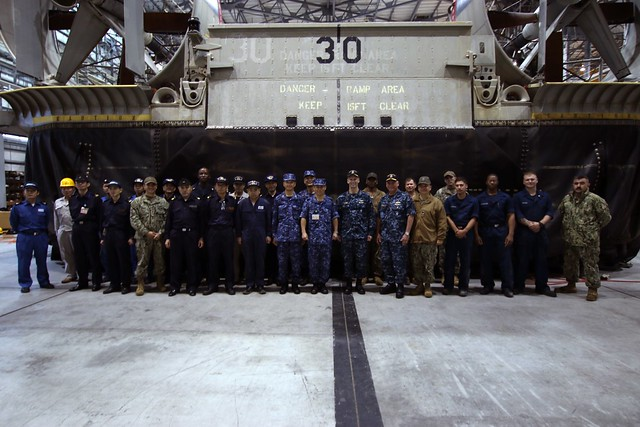 NBU 7 Hosts 7th Fleet and Commandant, Sasebo District during U.S./JMSDF LCAC Cooperative Engagement