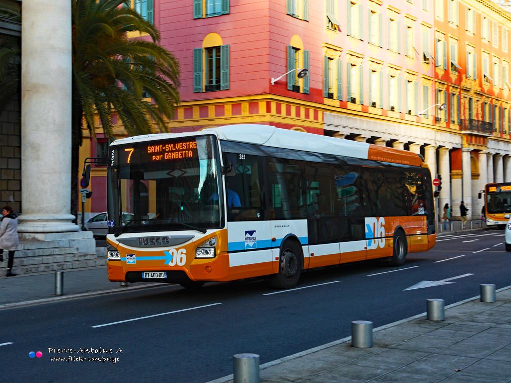 iveco urbanway 12 lignes d 39 azur 285 urbanway sur la lign flickr. Black Bedroom Furniture Sets. Home Design Ideas