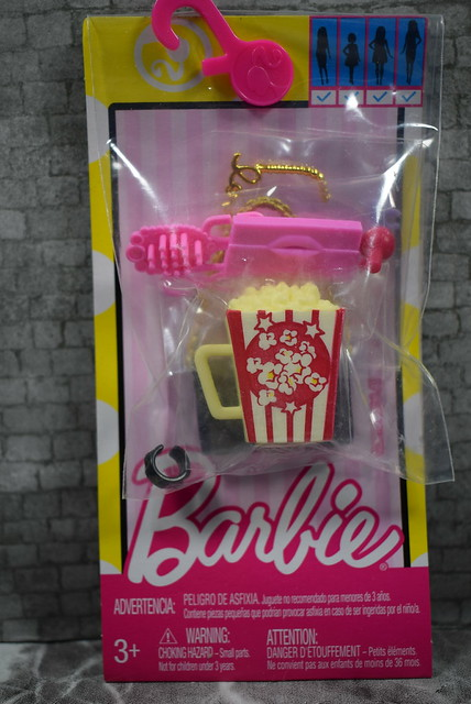 2016 Barbie Accessory Pack Movie Night DWD71