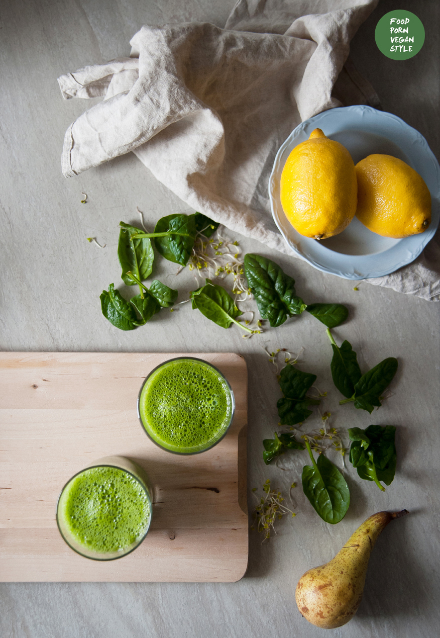 Green smoothie with pear, cucumber, spinach and sprouts