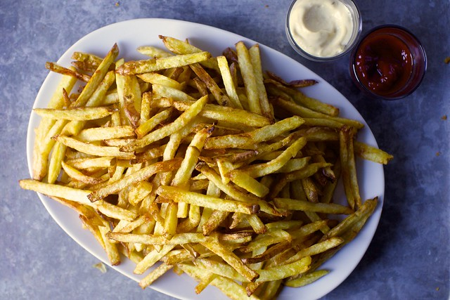Easiest french fries smitten kitchen easier french fries solutioingenieria Images