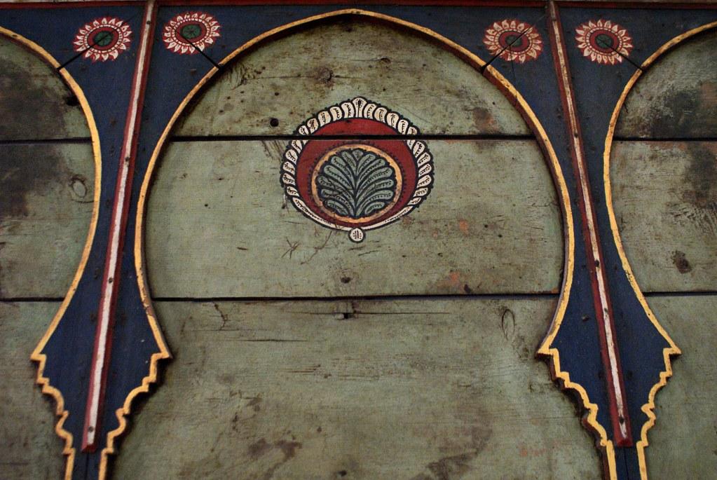 Motif végétal dans le musée Dar Si Said de Marrakech.
