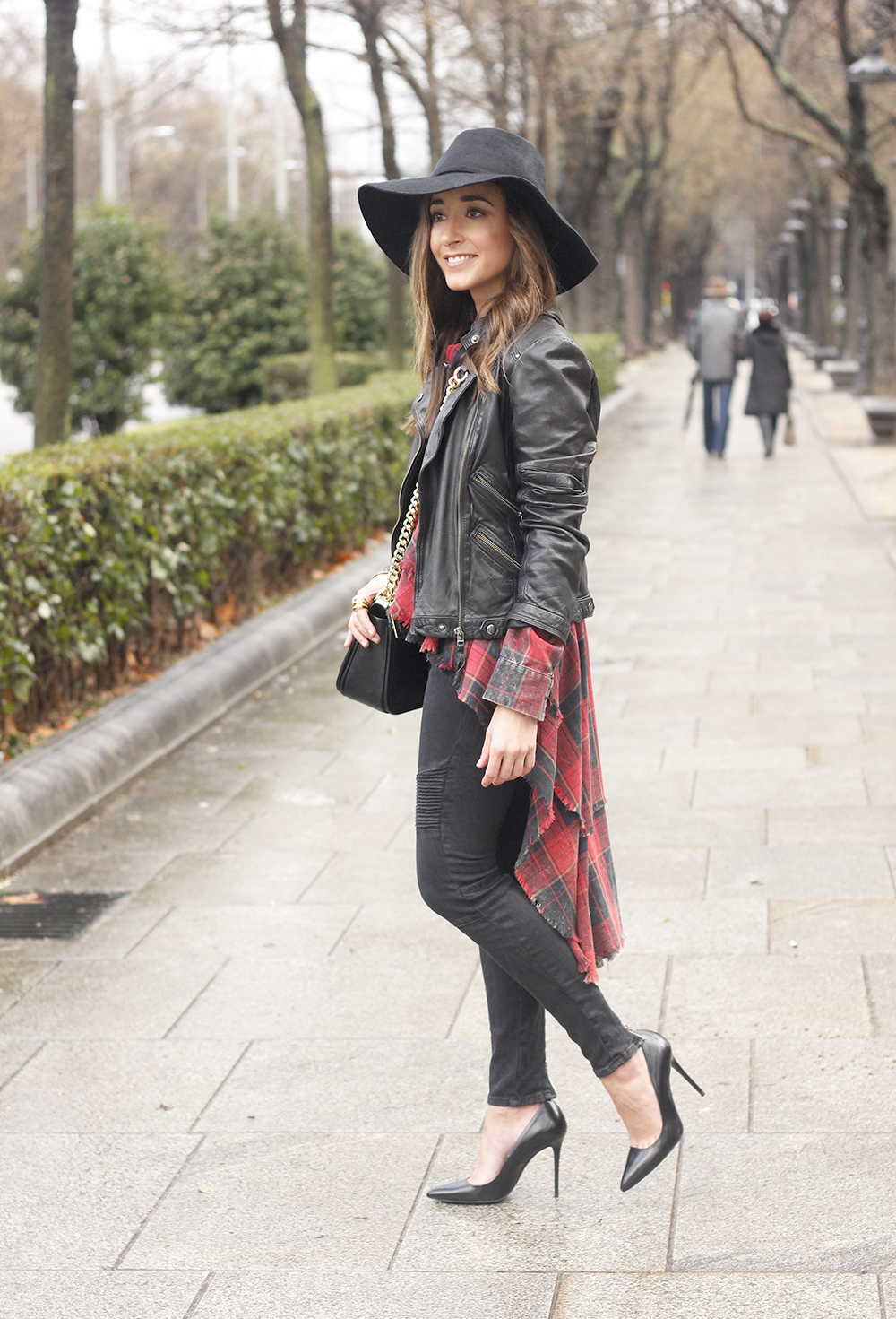 Shirt with tartan print and frills black jeans coach bag heels accessories style fashion outfit06