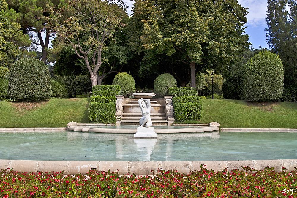 Jardins del palau de pedralbes svet luz flickr - Jardins del palau ...