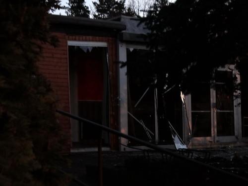 Der kleine Bistro am Jägerpark in Dresden wurde durch die Druckwelle der Explosion stark beschädigt, ist massiv einsturzgefährdet und kann nicht mehr betreten gefahrlos werden 01486