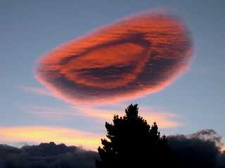 Chile Puerto Natales spectacular lenticular cloud at sunset | by Dave Curtis