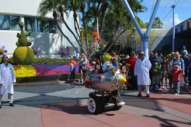 Muppet Labs Mobile Show in Future World