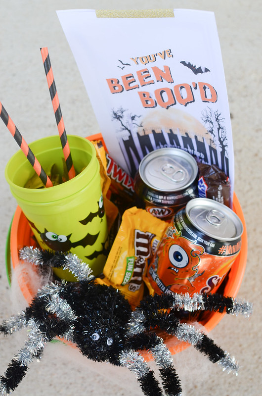 How to make a cute and spooky BOO Kit! Surprise neighbors, friends, family, co-workers with this basket of fun for Halloween!