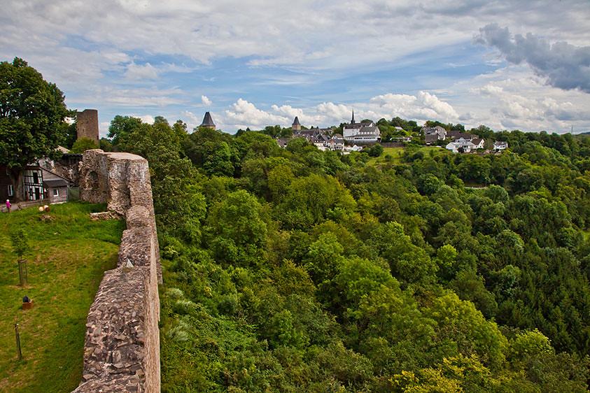 Blick von der Burg Blankenberg auf den Ort