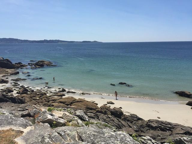 Isla de Ons es una de las excursiones típicas desde Sanxenxo (Galicia)