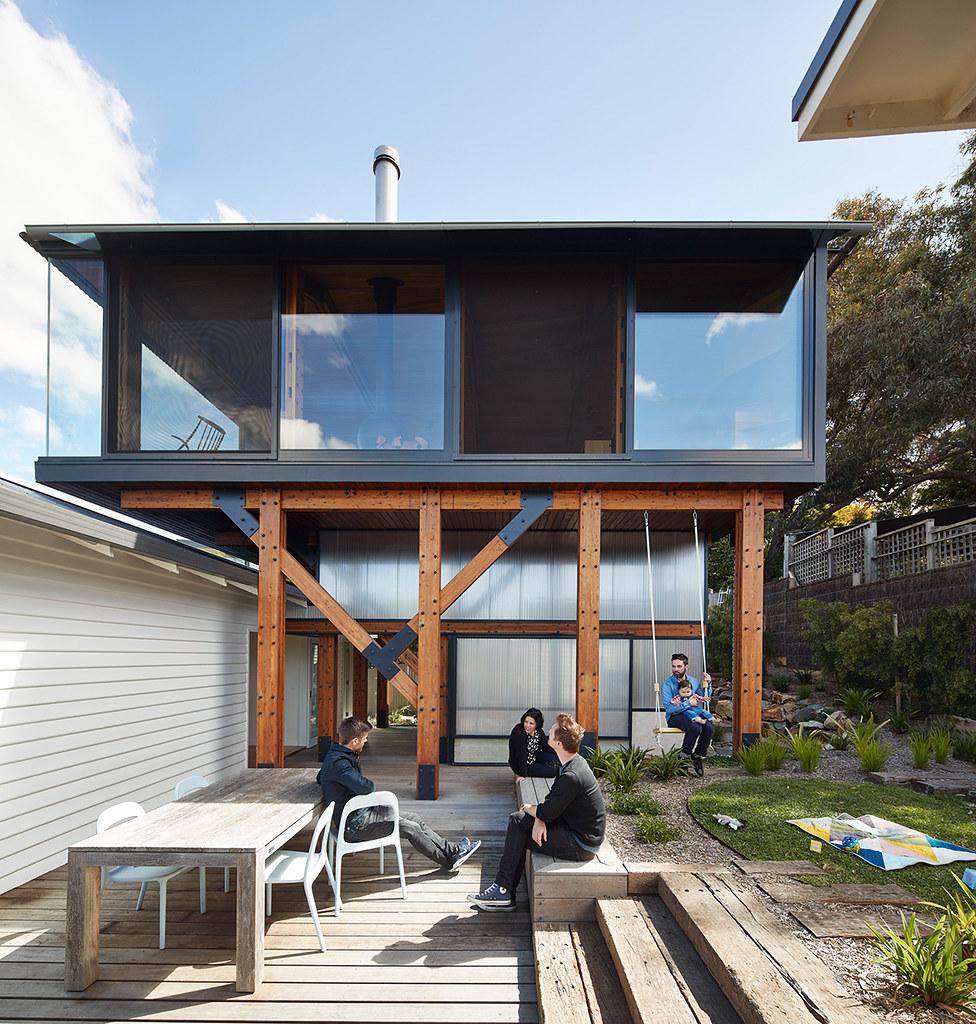 House on stilts design by Austin Maynard Architects in Australia Sundeno_18