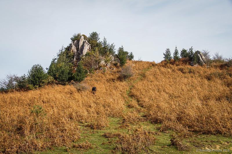 Unas peñas cercanas a la cima del Azkar