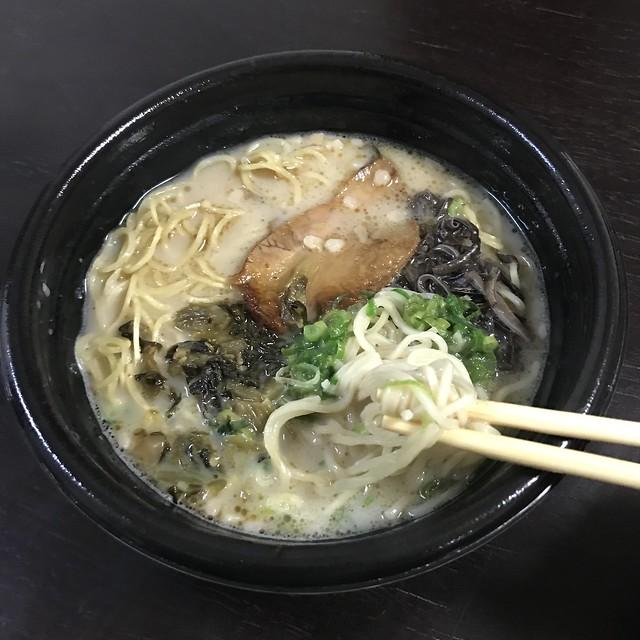 豚骨ラーメンの麺