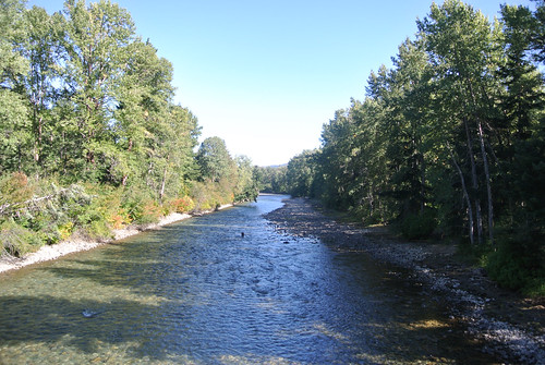 Tourus Interruptus day 2 - Looking east on the Cle Elum River