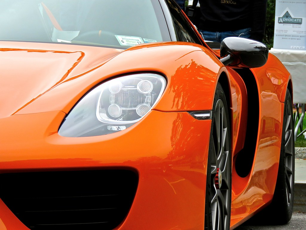 Porsche 918 Weissach Orange 5