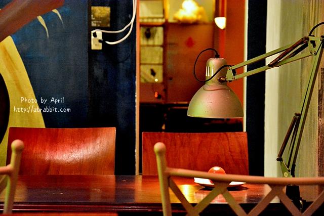 33359572485 45355484d6 o - [台中]洞穴The Cave--一個充滿藝術且自由般放氣息的神秘咖啡館兼酒吧@北區 五權路