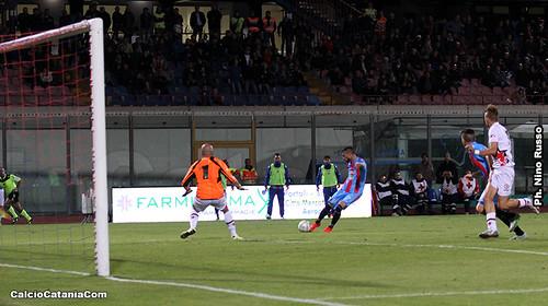 Catania-Foggia 0-0: Fieno in cascina, aspettando tempi migliori$
