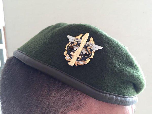 Boina y emblema del Mando Conjunto de Operaciones Especiales (MCOE)