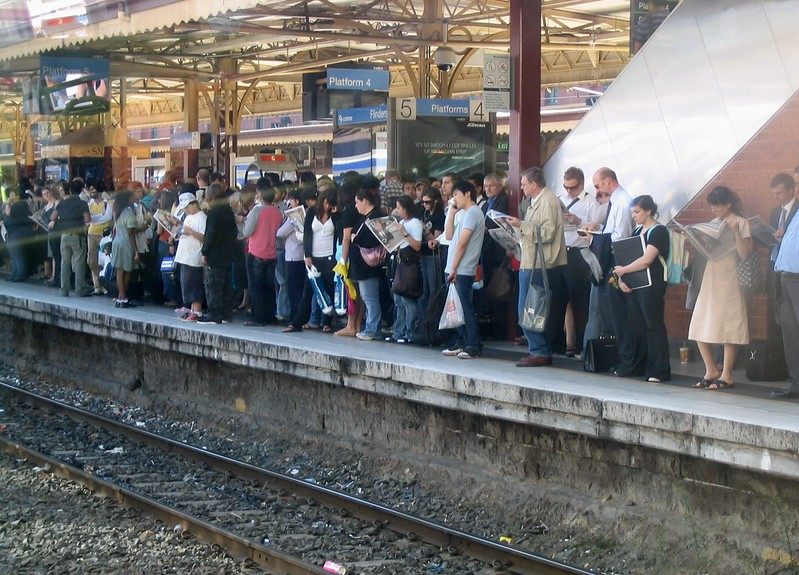 Delays on platform 5 at Flinders St (May 2007)