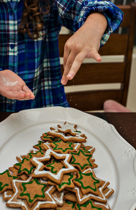 gingerbread christmas tree cookie platter #spreadcheer