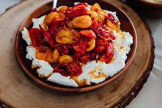 Ricota Caseira com Tomatinhos Confitados