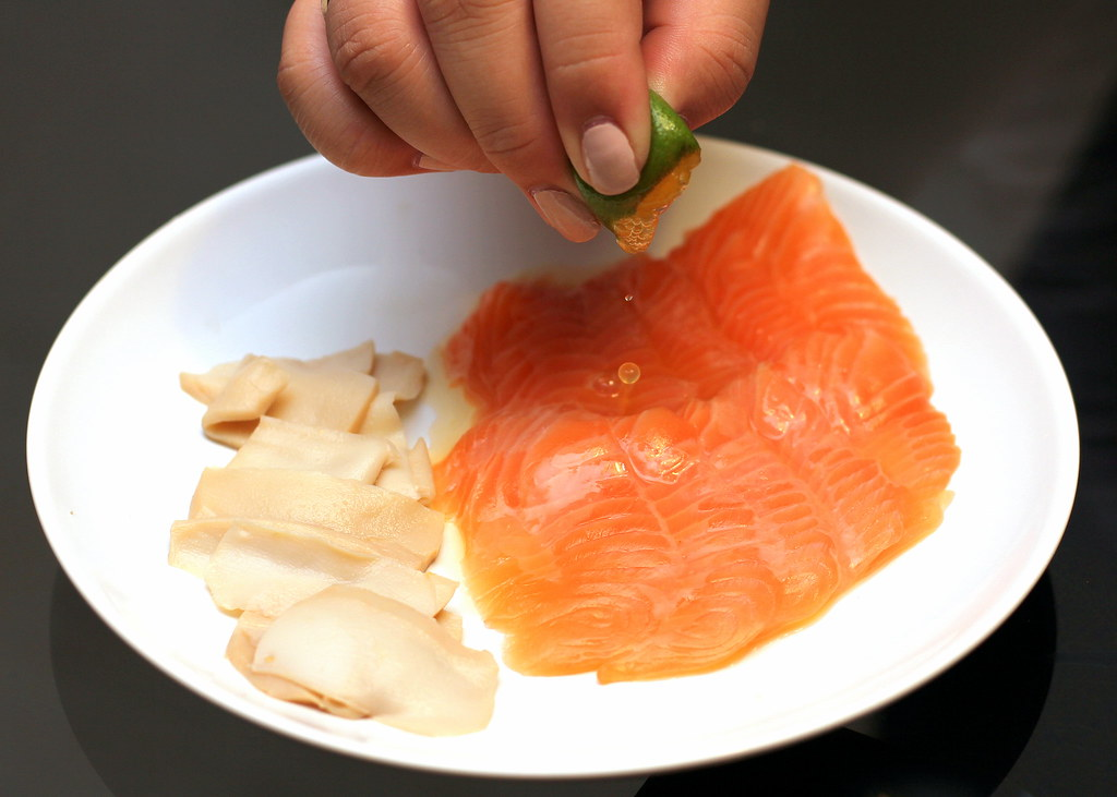 yusheng-salmon-abalone-lime