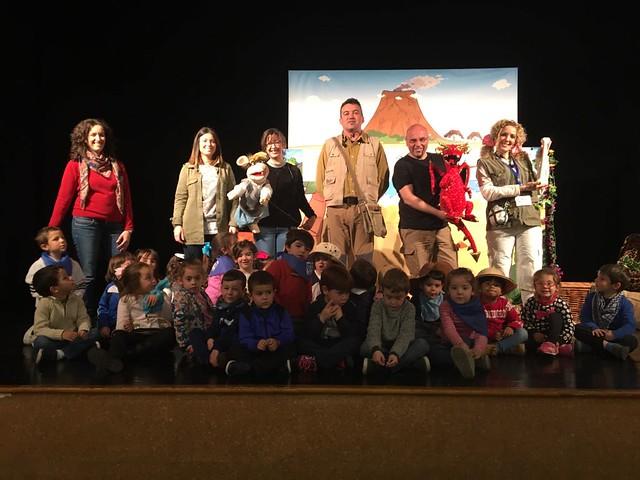 Cuatro Se Va Al Teatro: Los Dinosaurios