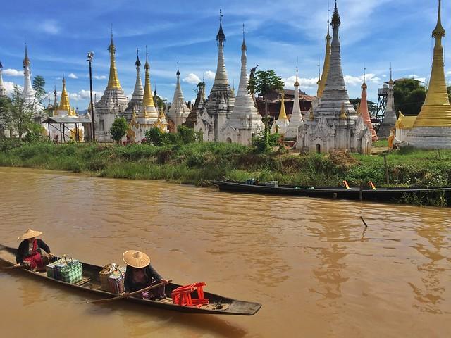 Pagodas en el Lago Inle (Myanmar)