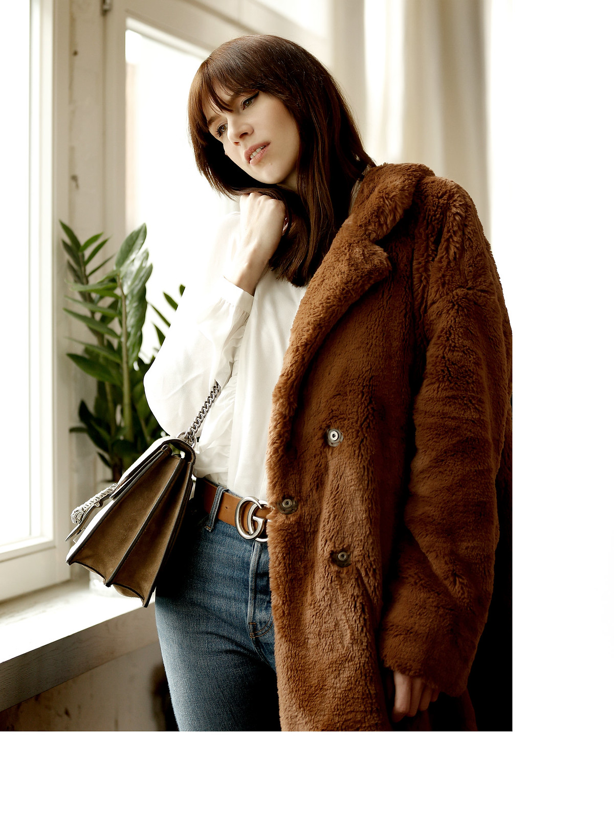 riani rianista editorial soho house loft 4 vintage 70s fashion brown leather fur teddy coat photoshoot photo session model brunette bangs parisienne cats & dogs fashion style blog berlin düsseldorf germany modeblogger fashionblog ricarda schernus 4