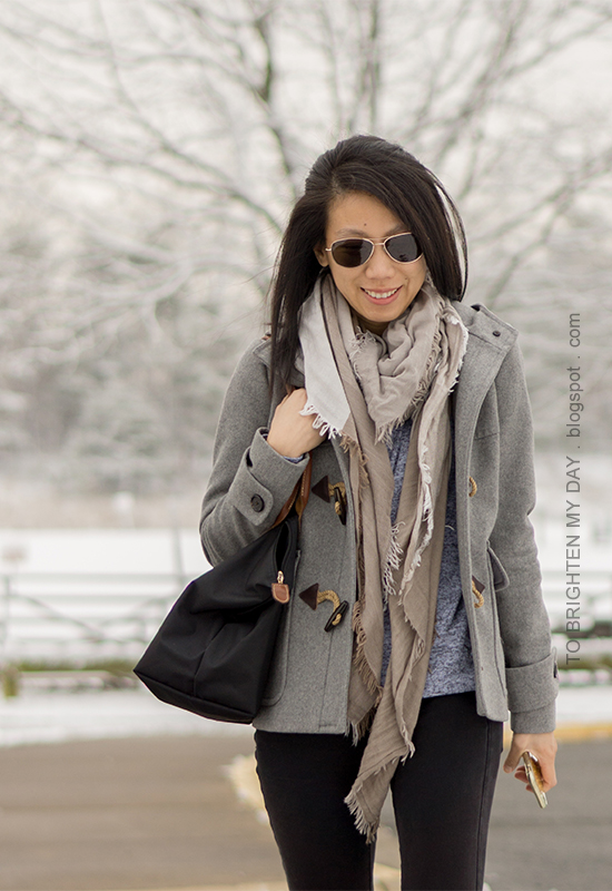 plaid scarf, gray duffle coat with toggles, gray front-wrap fleece hoodie top, black skinny jeans