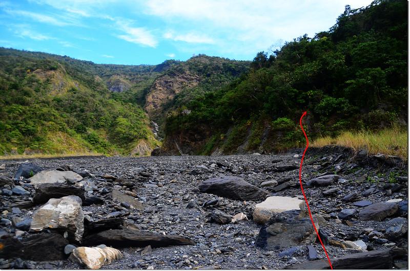 吐蛇流西北峰河床登山口 1