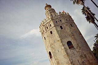 http://hojeconhecemos.blogspot.com/2015/11/torre-del-oro-sevilha-espanha.html