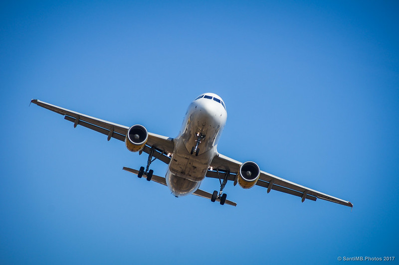Avión a punto de aterrizar