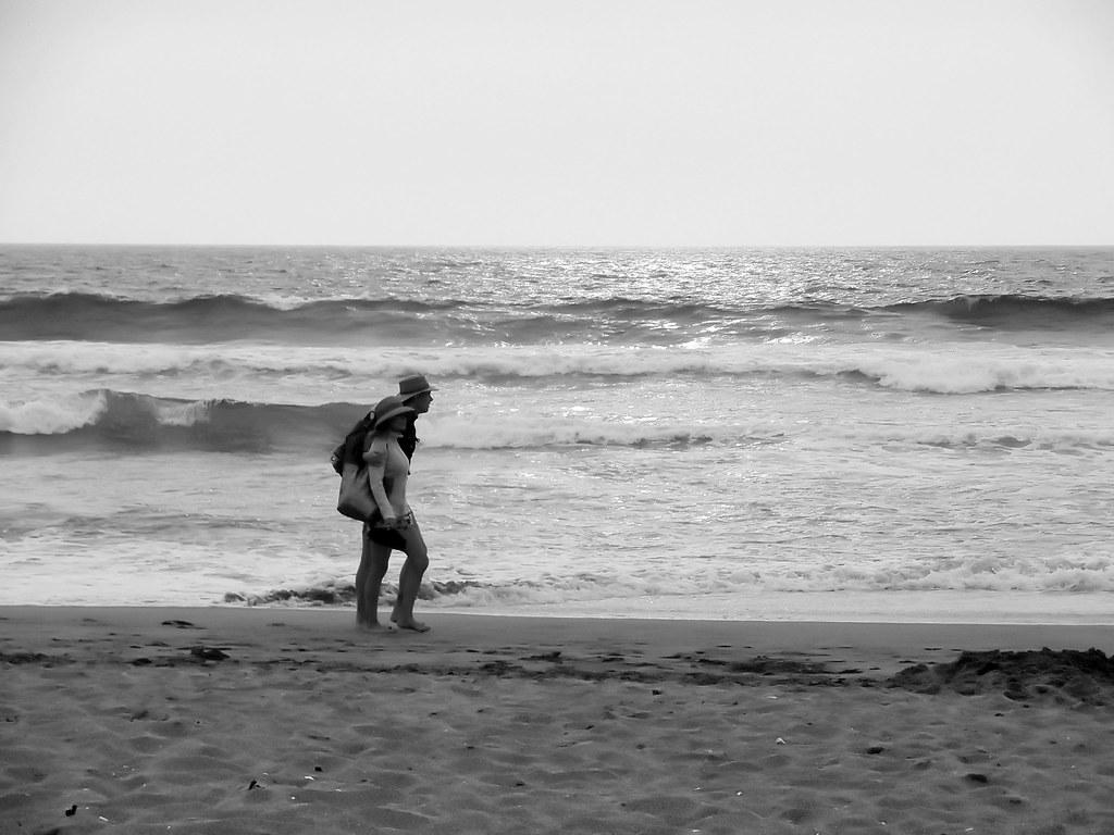 Caminata por la playa