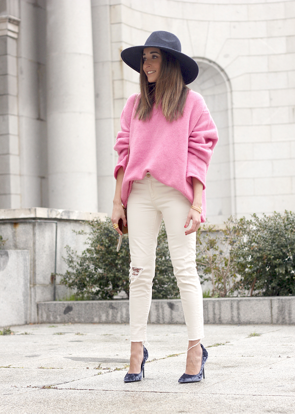 Pink Sweater white ripped jeans blue velvet heels hat uterqüe accessories style fashion outfit17