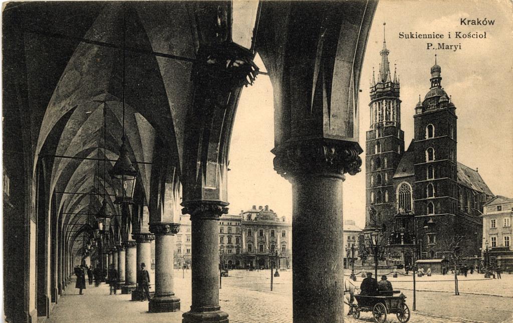 Avant / Après sur le Rynek de Cracovie.