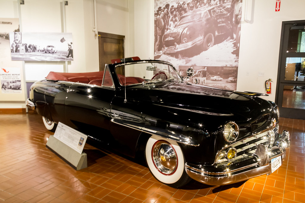 1948 Lincoln Cosmopolitan Convertible Gilmore Car Museum