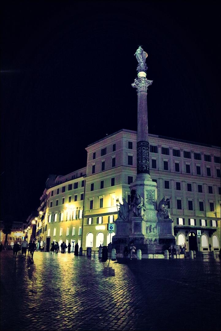 광장-'로마의 밤거리'