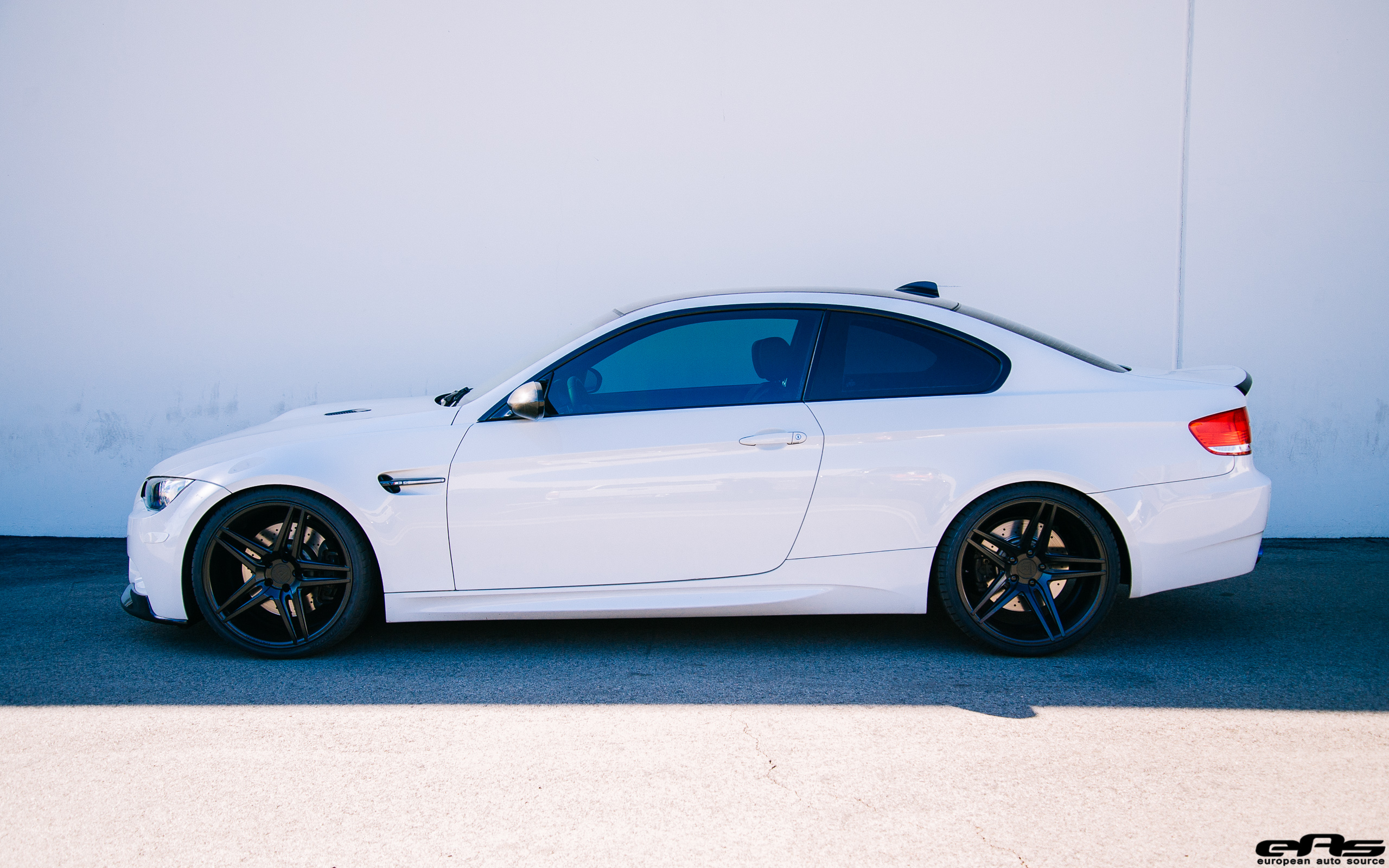 Laguna Seca M3 >> Alpine White E92 M3 - Black on white | BMW Performance Parts & Services