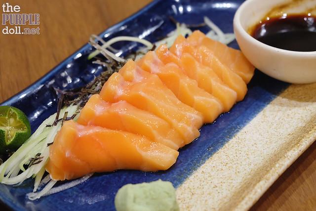 Salmon Sashimi (P149 5pcs P239 8pcs)