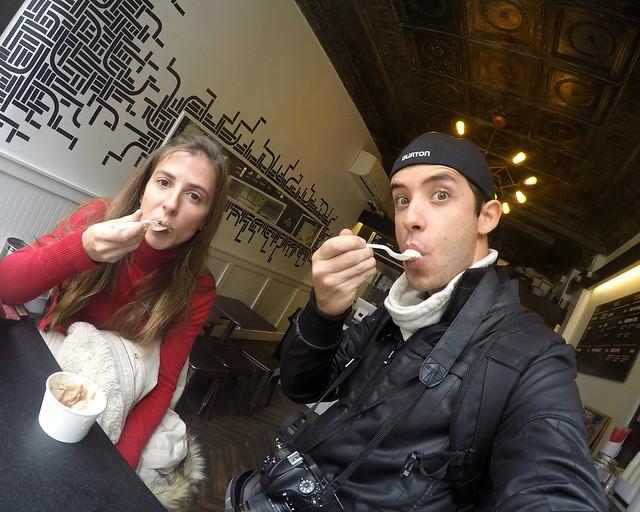 Comiéndonos los deliciosos y famosos helados de Ice Vice de Nueva York