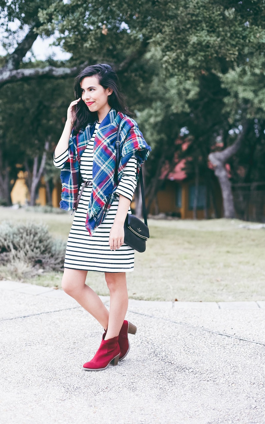 austin texas, austin fashion blog, austin fashion blogger, austin fashion, austin fashion blog, pinterest outfit, off the shoulder dress, austin style, austin style blog, austin style blogger, austin style bloggers, style bloggers, plaid scarf, how to wear a blanket scarf, plaid blanket scarf, blanket scarf