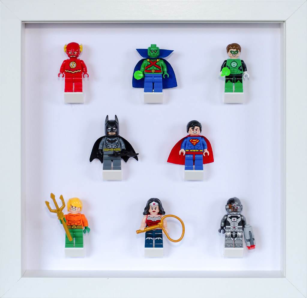 Fancy Lego Picture Frame Adornment - Framed Art Ideas - roadofriches.com